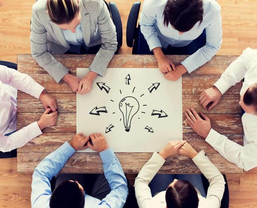 como-generar-ideas-innovadoras-y-cumplir-con-los-retos-del-negocio