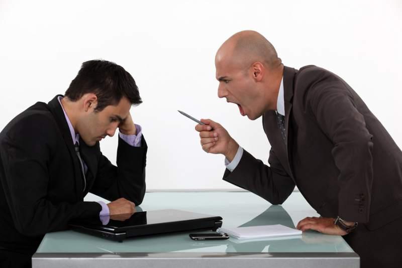 Cómo comportarse delante de un mal jefe